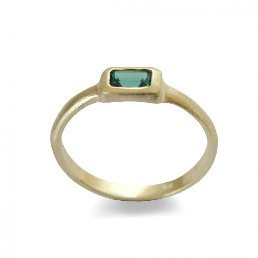Mariage - Rectangle Green Quartz Gold ring, Handmade delicate ring, 14k Yellow Gold, Classic Engagement Ring, Bridal Jewelry, Minimalist ring