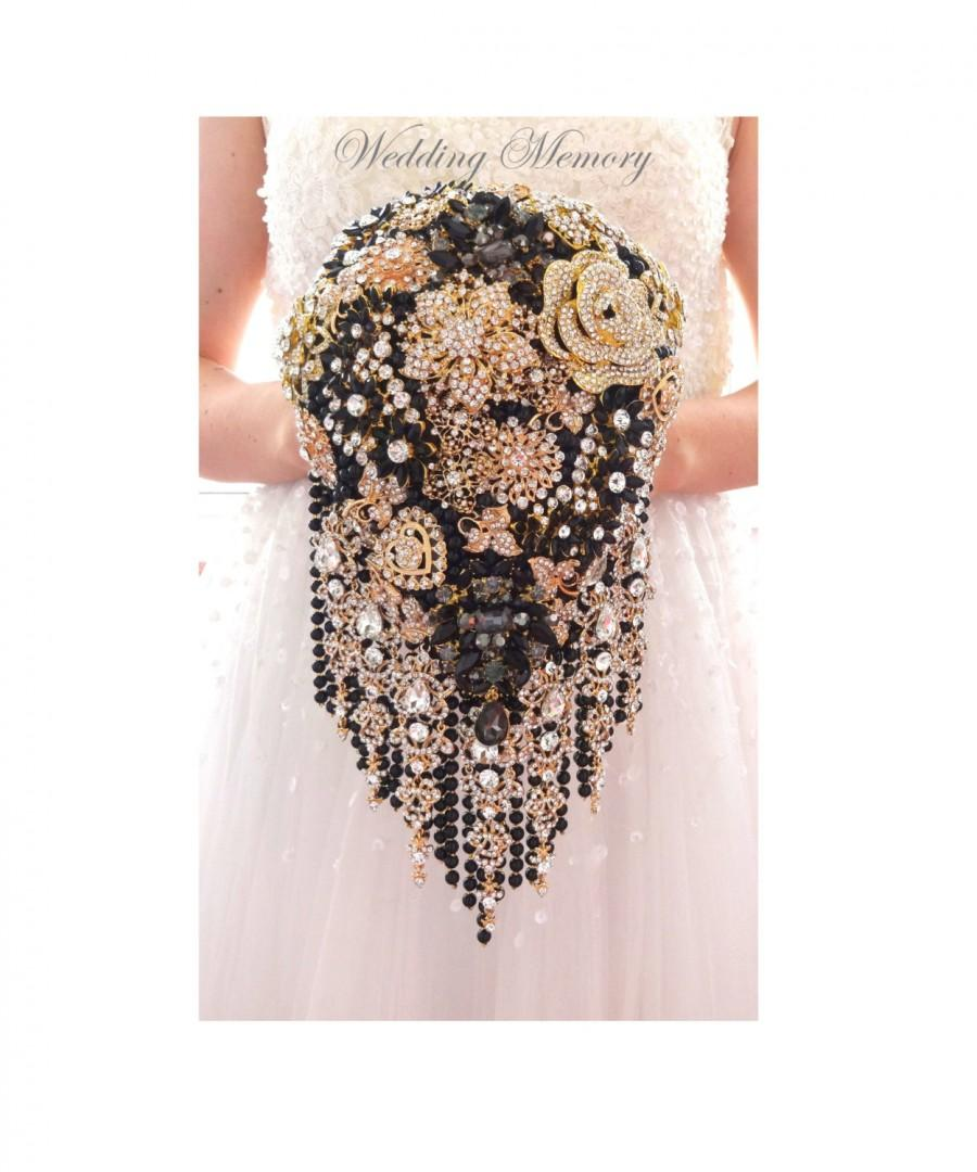 Mariage - Rose gold and black BROOCH BOUQUET in waterfall cascading teardrop gold  Great Gatsby style, jeweled with rose design brooches for wedding