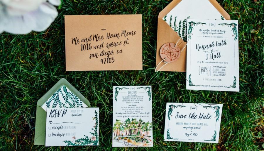 Hochzeit - Rustic and Whimsical Watercolor Garden Wedding Invitation