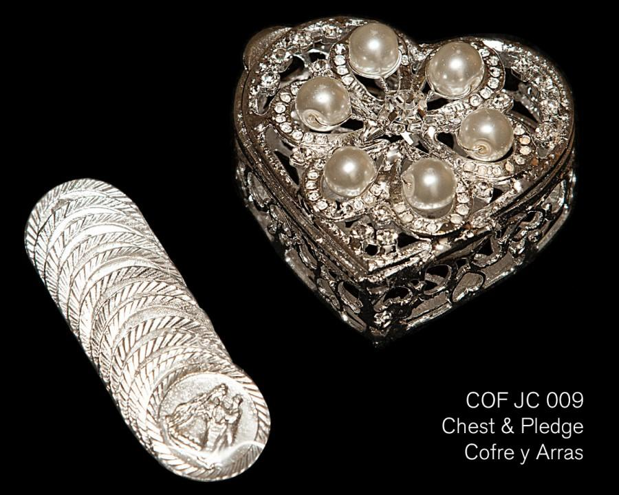 Свадьба - COF JC 009 - Silver plated/pearl heart shaped chest with crystal beading. Includes the traditional 13 coins used in wedding ceremony.