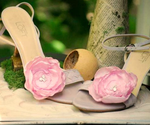 Wedding - Pink Floral Shoe Clips. Ivory Pure White Olive Fuschia Silky Flower & Silver Beads. Summer wedding bride bridal couture, feminine bling glam