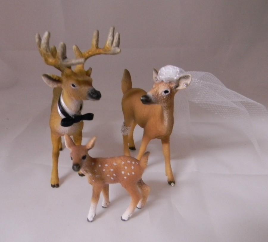 Mariage - Wedding Reception Buck Doe Fawn Family Deer Swaroski Veil & Garter Hunting Hunter Cake Topper
