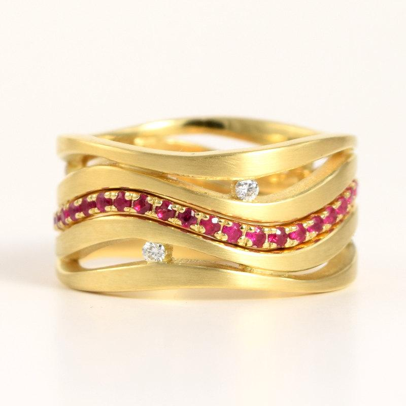 زفاف - Ruby + Diamond 18k Gold 3 Ring Bridal Set 'Wave'