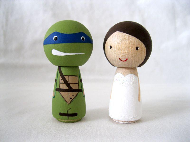 زفاف - Teenage Mutant Ninja Turtle and his Bride, TMNT Kokeshi Doll Peg Doll Wedding cake Topper