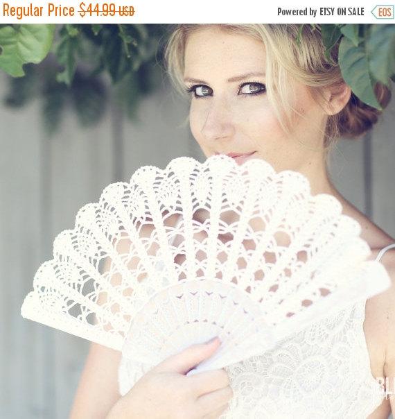 Mariage - BLACK FRIDAY SALE Lace Hand Fan- Ivory Hand Held Fan- Wedding Bouquet Alternative- Gift for Her Under 50- Handmade Lace Fan- Folding Hand Fa