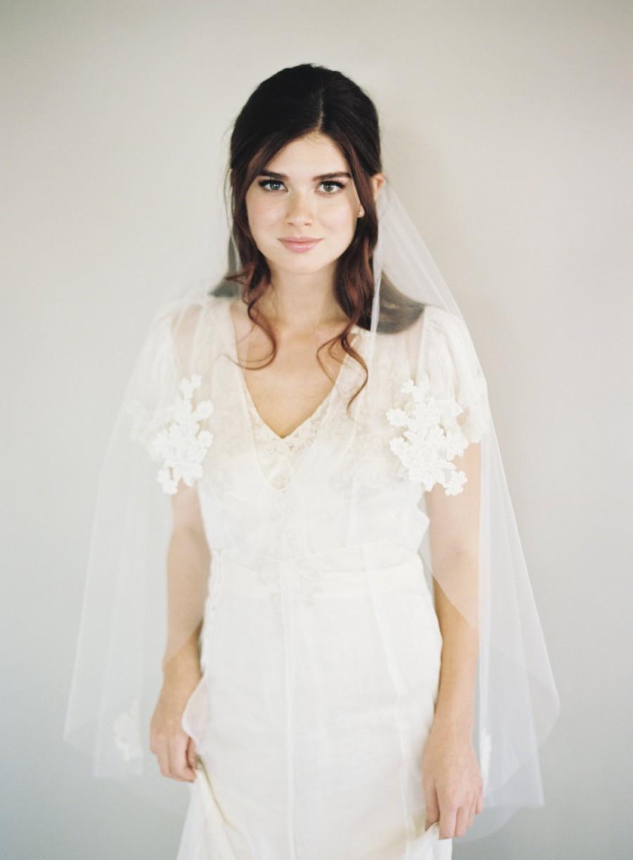 Свадьба - Lace Applique Veil, Bridal Wedding Veil, Alencon Lace Veil, Finger Tip Wedding Veil, Bridal Veil, Single Layer Veil, Corded Lace Veil, 1554