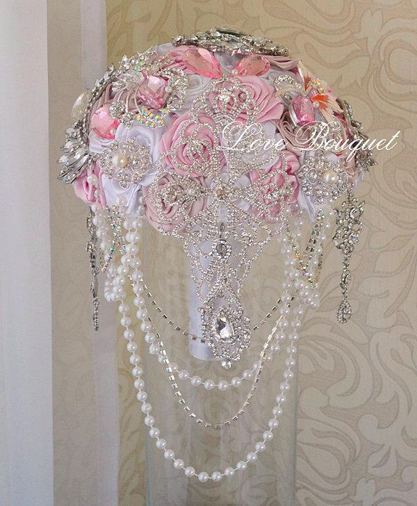Mariage - Blush Pink Cascading Wedding Brooch bouquet, White and Silver Wedding Bouquet, Gatsby Wedding Bouquet, Silk Wedding Bouquet, Bling Design