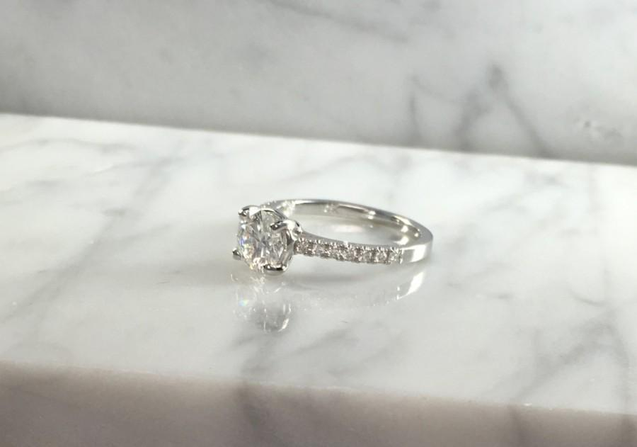 Mariage - Classic Petite Round Diamond Engagement Ring in 14K White Gold w/ Diamonds - Setting Only - Low Profile - No Halo - Petite Ring