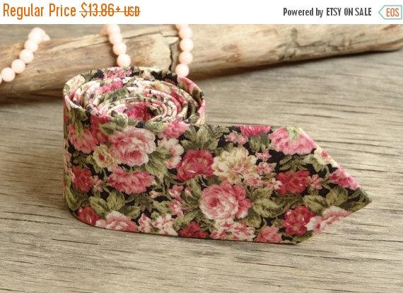 Hochzeit - SALE 30% OFF Floral Olive Wedding Tie   Men's skinny Pink Roses tie   Necktie for Men FREE Gift