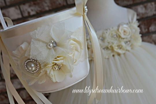 Mariage - Ivory flower girl basket and ivory pillow