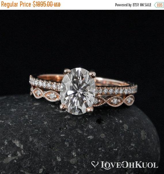 Mariage - BLACK FRIDAY SALE Forever Brilliant Moissanite Vintage Solitaire Diamond Ring – Engagement Ring Set - Miligrain Leaf Diamond Band