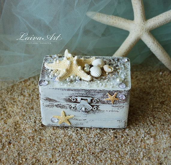 Mariage - Beach Wedding Ring Box Custom Ring Box Rustic Ring Bearer Ring Box Personalized Box Beach Ring Box White Ring Box Beach Ring Bearer