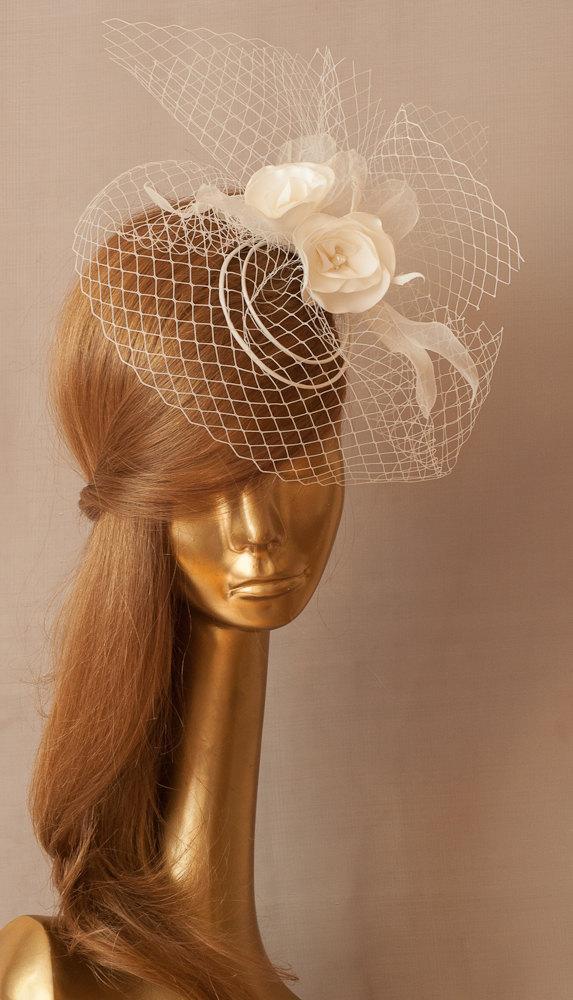 Mariage - BIRDCAGE VEIL. Bridal FASCINATOR .  Ivory Veil .Romantic wedding Headpiece with beautifull Delicate Flowers.