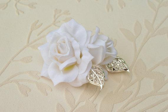 Hochzeit - Bridal hairpiece, White rhinestone headpiece, Leaf wedding hair clip, White bridal hair rose, Vintage wedding flower, Silver hairpiece