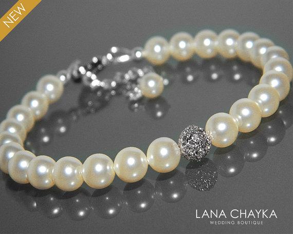 Mariage - Bridal Pearl Delicate Bracelet Swarovski Ivory Pearl Silver Bracelet Wedding Pearl Bracelet One Strand Pearl Bracelet Bridesmaids Jewelry