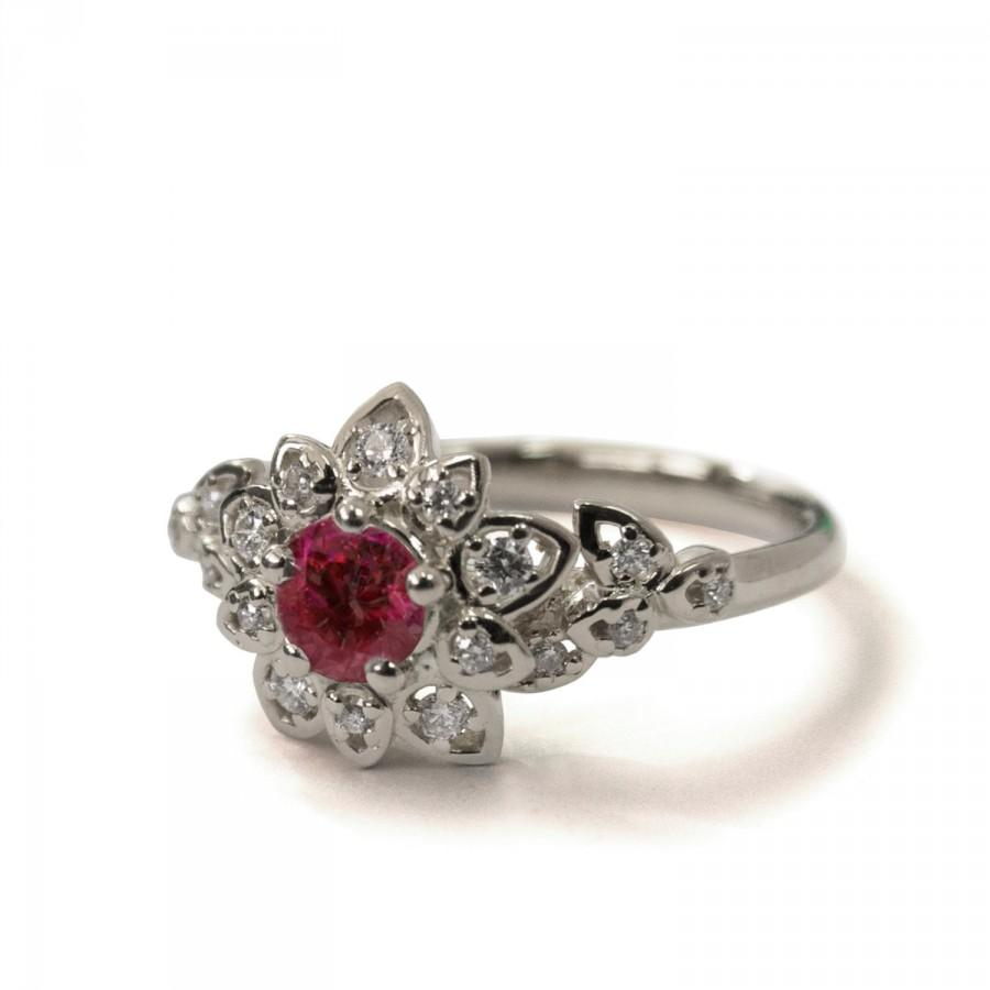 Mariage - Ruby Art Deco Petal Engagement Ring - 14K White Gold and Ruby engagement ring,leaf ring,flower ring, vintage, halo ring,Ruby and Diamonds,2B