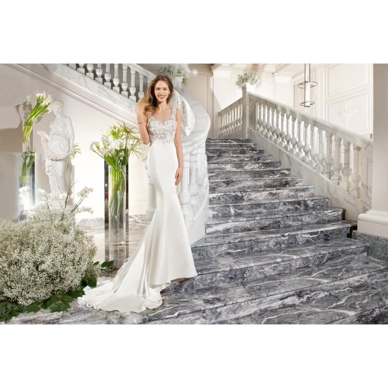Hochzeit - Demetrios Couture C221 - Stunning Cheap Wedding Dresses