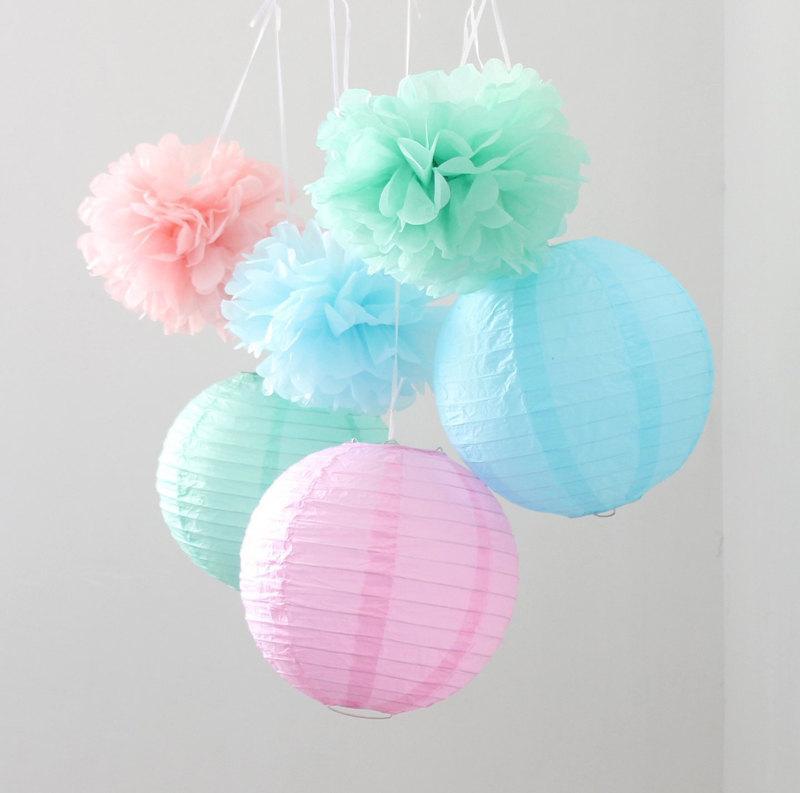 Свадьба - Set of 9 Mixed Mint Green Blue Pink Tissue Paper Pom Poms and Paper Lantern Wedding Birthday Baby Shower Nursery Hanging Decoration
