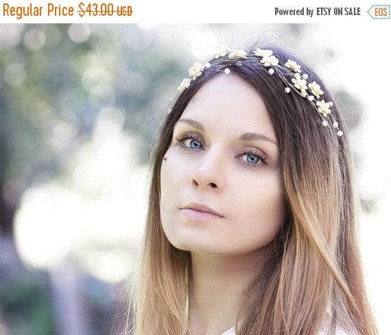 Mariage - 20_Wedding hair accessory,Gold flowers diadema,Hair piece,Wedding diadema with pearls,Wire wrapped diadema,Flower girl hair piece,For bride