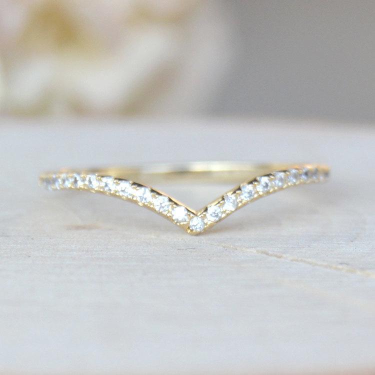 Mariage - Thin 1.3mm V Chevron Ring - Gold