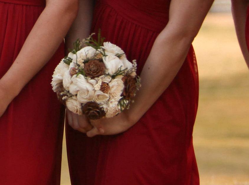 Mariage - Medium cream green brown rustic wedding BOUQUET Ivory Flowers, preserved cypress, Burlap Handle, Flower girl, Bridesmaids, custom bouquet