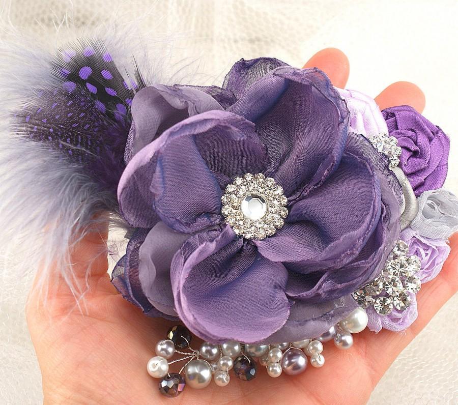 Свадьба - Purple Hair Clip, Wedding Fascinator, Lilac, Silver,Grey, Wedding, Bridal, Maid of Honor, Feathers, Pearls, Crystals, Elegant, Vintage Style
