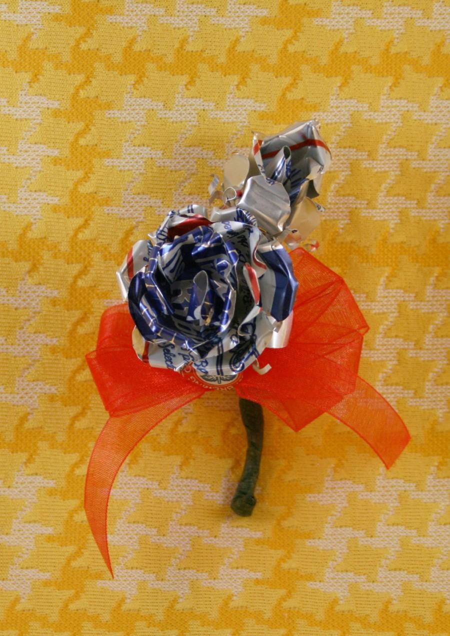 Свадьба - Wild Rose Redneck Beer Can Boutonniere