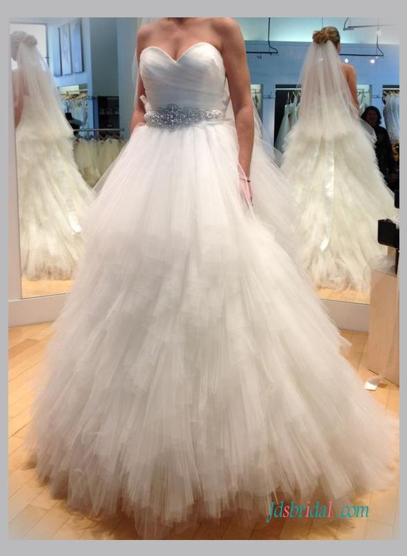 Hochzeit - Sweetheart neck ruffles tulle ball gown wedding dress