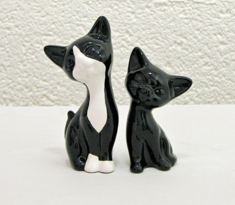 Свадьба - Mid Century Modern Tuxedo Cats Handmade Ceramic Retro Kitten Figurine Sculptures or Wedding Cake Toppers - Made to Order