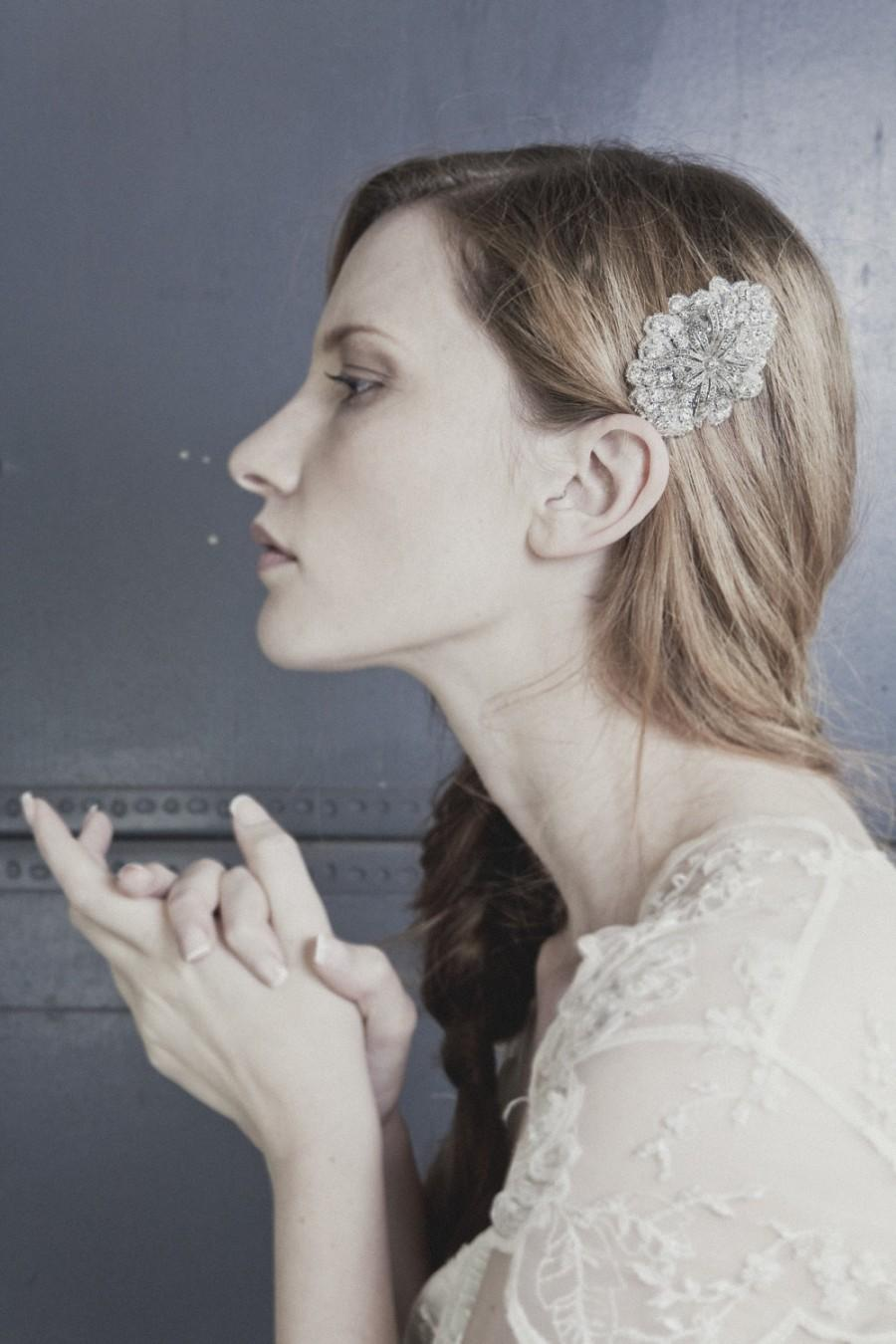 Wedding - Bijoux small rhinestone bridal wedding headband or comb with vintage brooch centrepiece