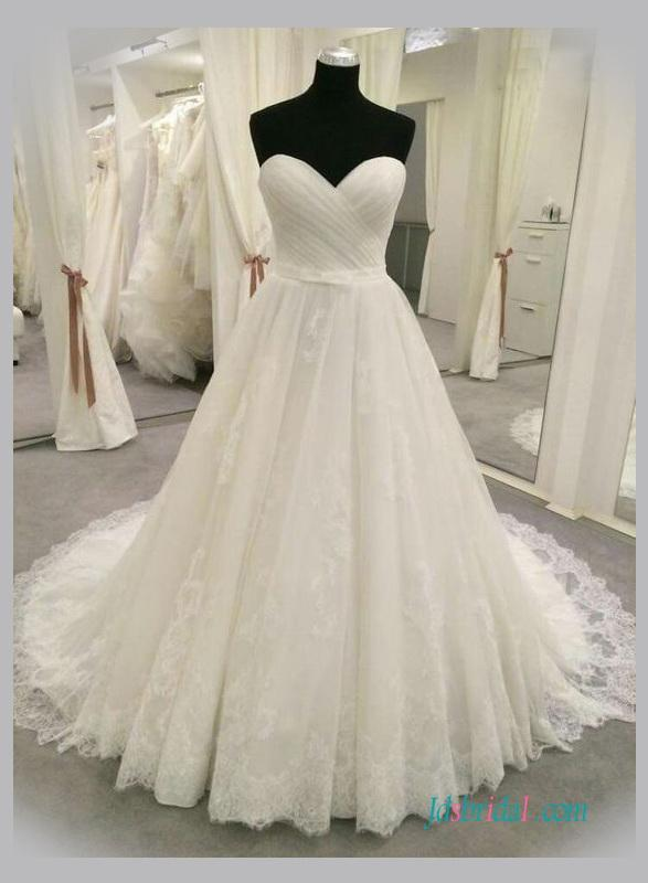 Wedding - Gorgeous sweetheart neck lace princess wedding gowns