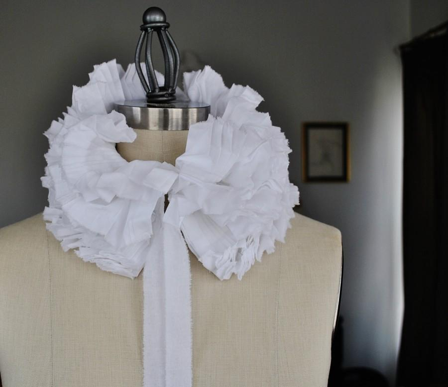 Mariage - White hand pleated collar/Totally hand made/Detachable Ruffle Collar/Ruffle scarf/Ruffle collar/ Ruffled Fashion/Bohemian collar/ rusteam