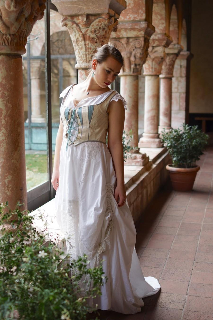 Mariage - Hunt of the Unicorn wedding gown