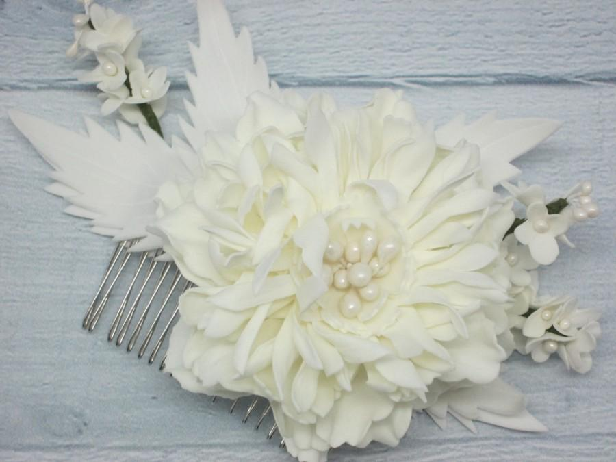 Mariage - Ivory comb Bridal flower Bridesmaid hair Cream wedding Hair comb ivory Comb hair ivory Peony bride Wife gift Girl birthday gift Cream hair