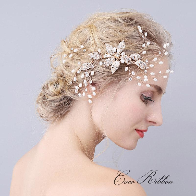 Mariage - Gold Bridal Hair Comb, Vintage Style Crystal Wedding Bridesmaid Flower Rhinestone Hair Pin Accessory