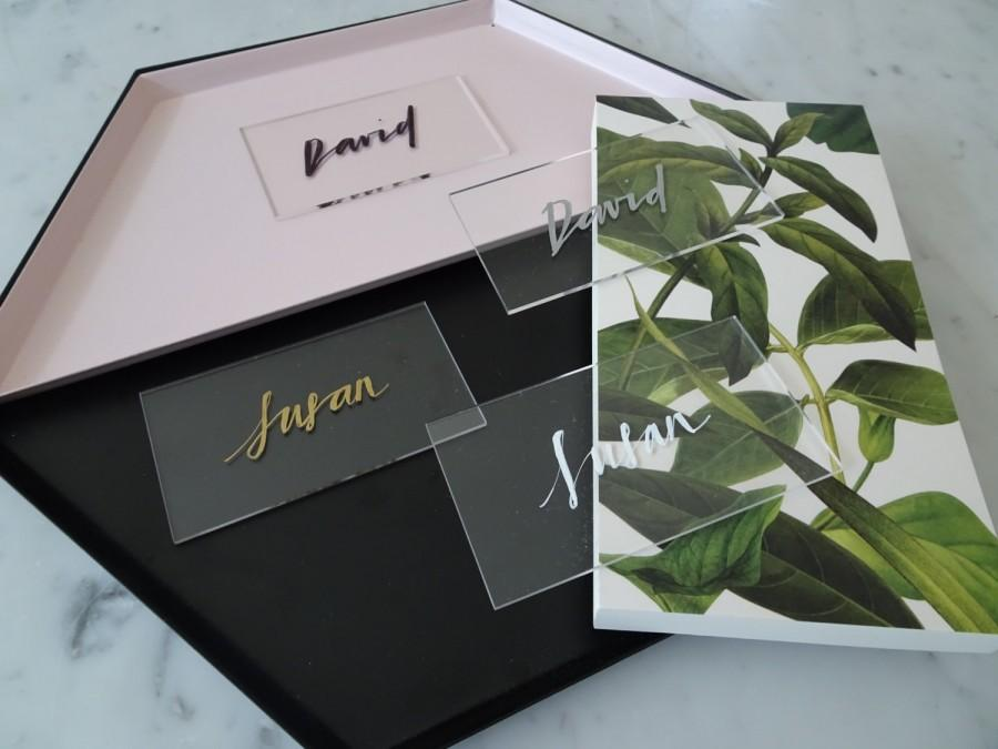 Wedding - White Lettering Perspex Clear Place Card Custom Hand Drawn / Acrylic Name Signs / Modern Calligraphy / Party Wedding / 9cm x 5cm
