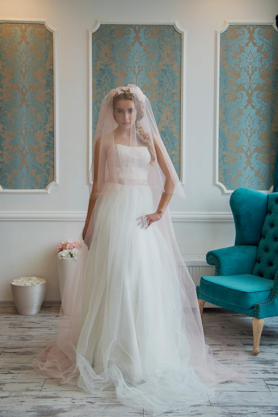 Mariage - Blush wedding veil Wedding veil,bridal veil,blush,wedding veil fingertip,wedding veil cathedr