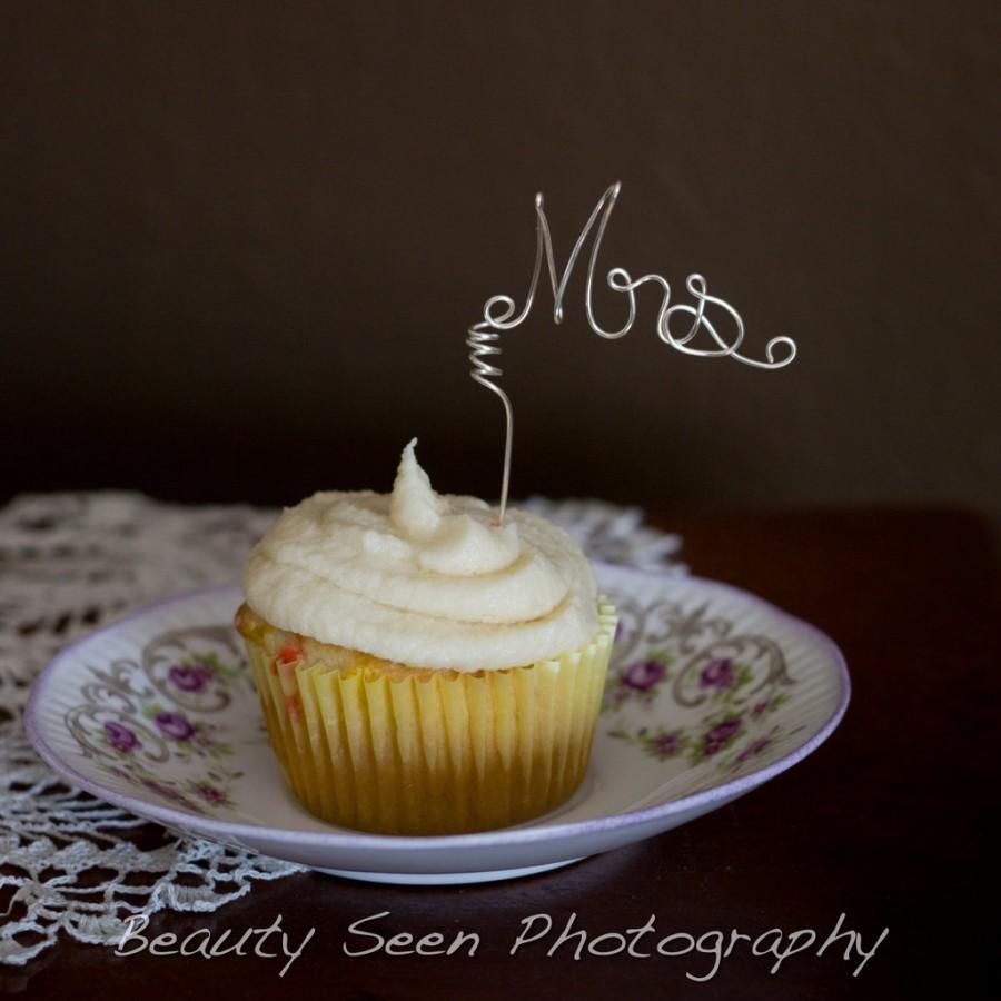 Свадьба - Cupcake Topper Set Mr Mrs, Wedding Decor