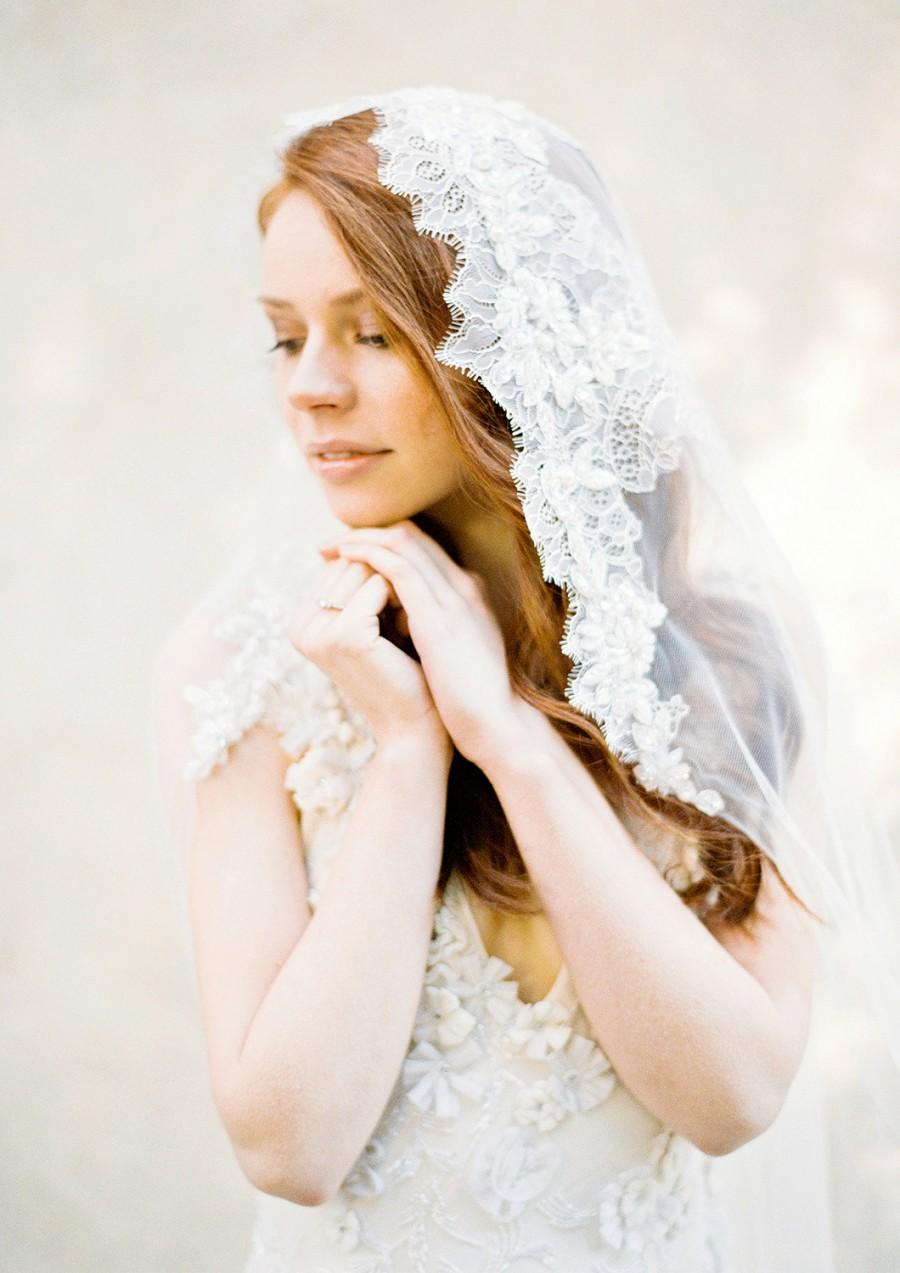Mariage - Wedding Veil, Lace Mantilla Veil, Lace Crystal beaded Bridal Veil, Chapel Veil - Style 302