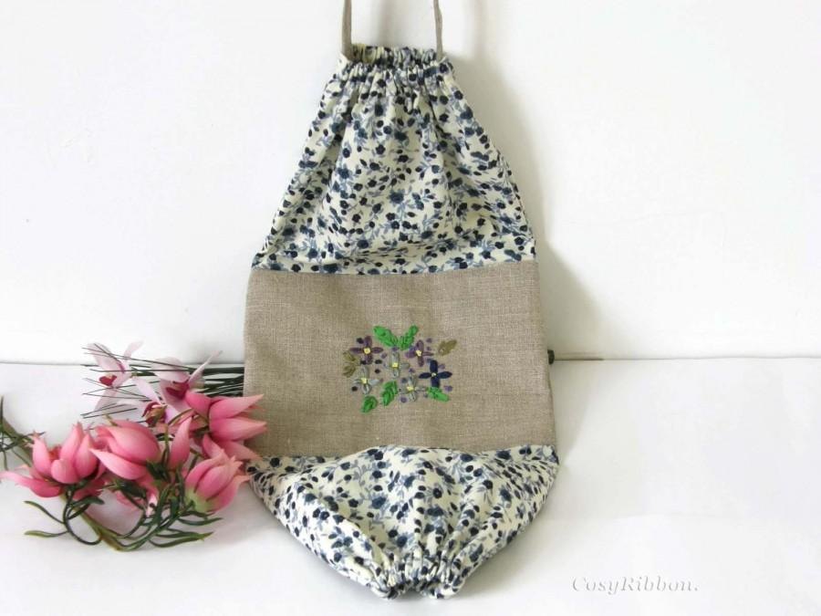 Blue Fabric Bag Dispenser Plastic Holder Grocery Storage Kitchen Flowered Silk Flowers On Linen