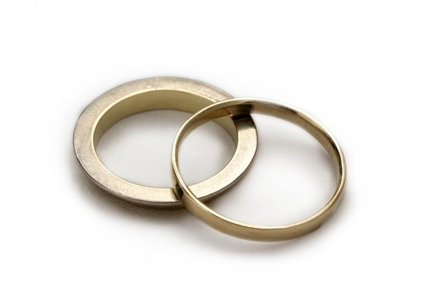 Mariage - Gold wedding band set, yellow and white gold rings,classic men wedding band,matching wedding rings