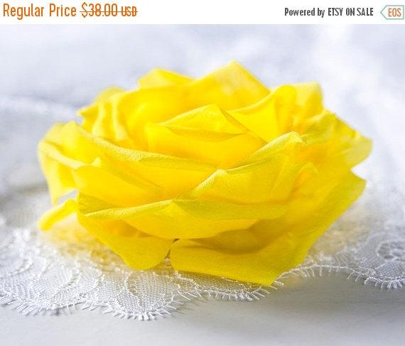Свадьба - 793_Yellow wedding hair accessory, Bright rose hair clip, Bridal flower hair clip, Big rose hair clip, Yellow bridal, Bright wedding clip