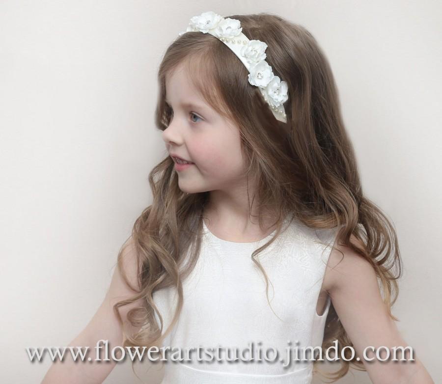 Свадьба - Flower Girl Headband, Flower girl Alice Band, Girl head piece, Infant headband, Woodland wedding, Wedding hair crown, Rustic Ivory Weddings.