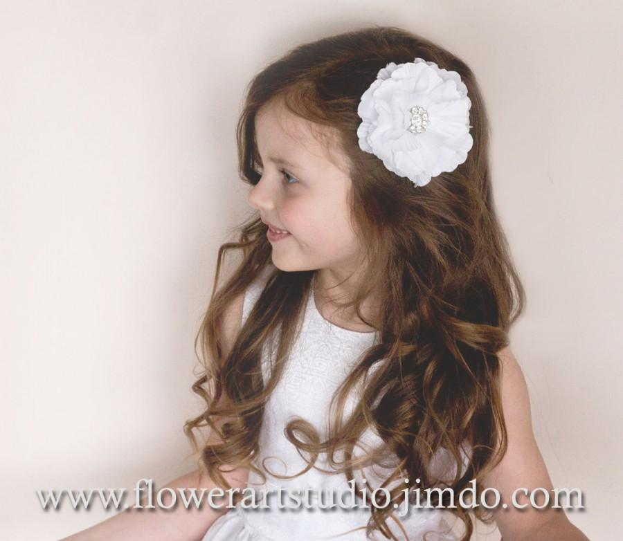 Mariage - White or Ivory Flower Hair Clip, Girl flower hair clip, Infant hair flower, Flower hair clip, Rhinestone flower clip, Flower Girl hair clip.