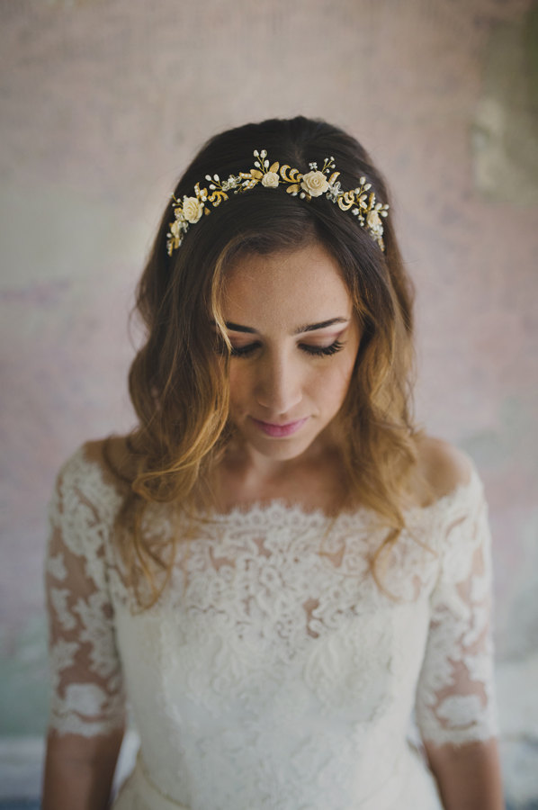 Mariage - Wedding rose flower headband, bridal floral halo in gold, bride hair accessory - style 347