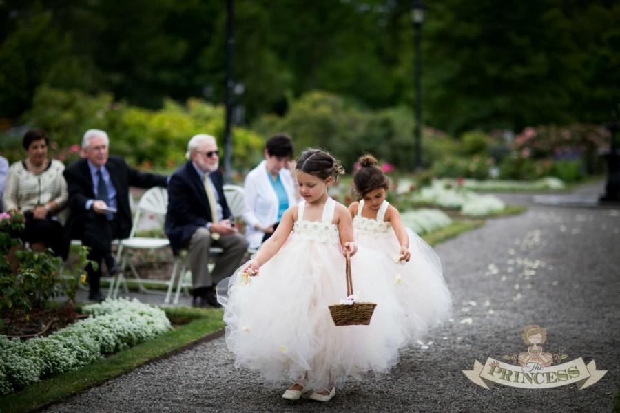 Mariage - flower girl dress, flower girl dresses, ivory flower girl dress, blush dress, child dress, baby dress, light pink dress, wedding dress
