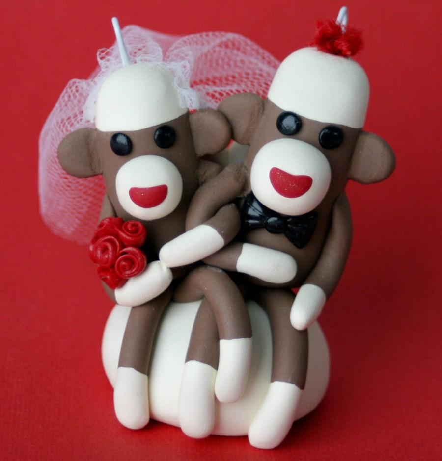 Mariage - Sock Monkey Wedding Cake Topper Cupcake and/ or Ornament