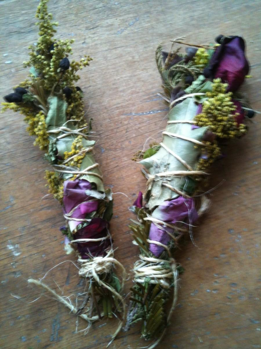 Mariage - HAND FASTING and wedding  smudge stick with herbs, flowers and oils custom blended for ceremony ritual