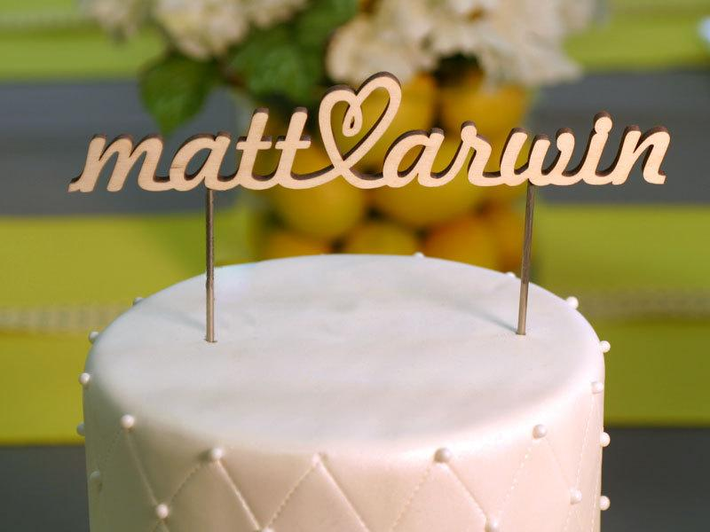 Mariage - Wood Name Cake Topper with Heart