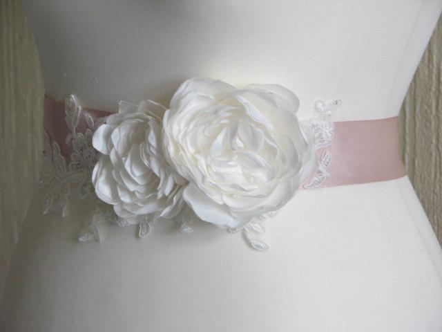 Свадьба - Ivory blush sash Blush wedding sash Ivory lace sash  Blush ivory sash Blush wedding Ivory peonies Ivory wedding sash Ivory wedding peony